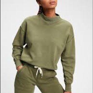 NWT Gap Vintage Mockneck Sweatshirt